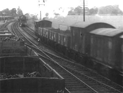 TLJ36-trains1b