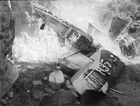 TPE35-crash1b